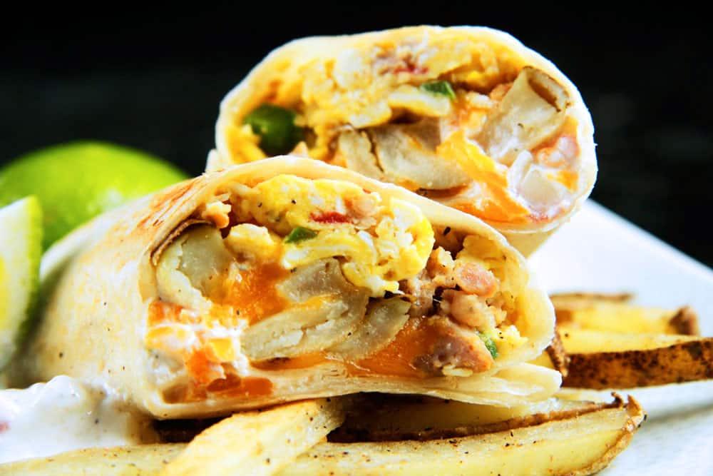 California-Breakfast-Burrito-with-Creamy-Salsa-(01)