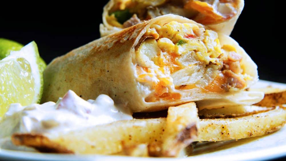 California-Breakfast-Burrito-with-Creamy-Salsa-(04)