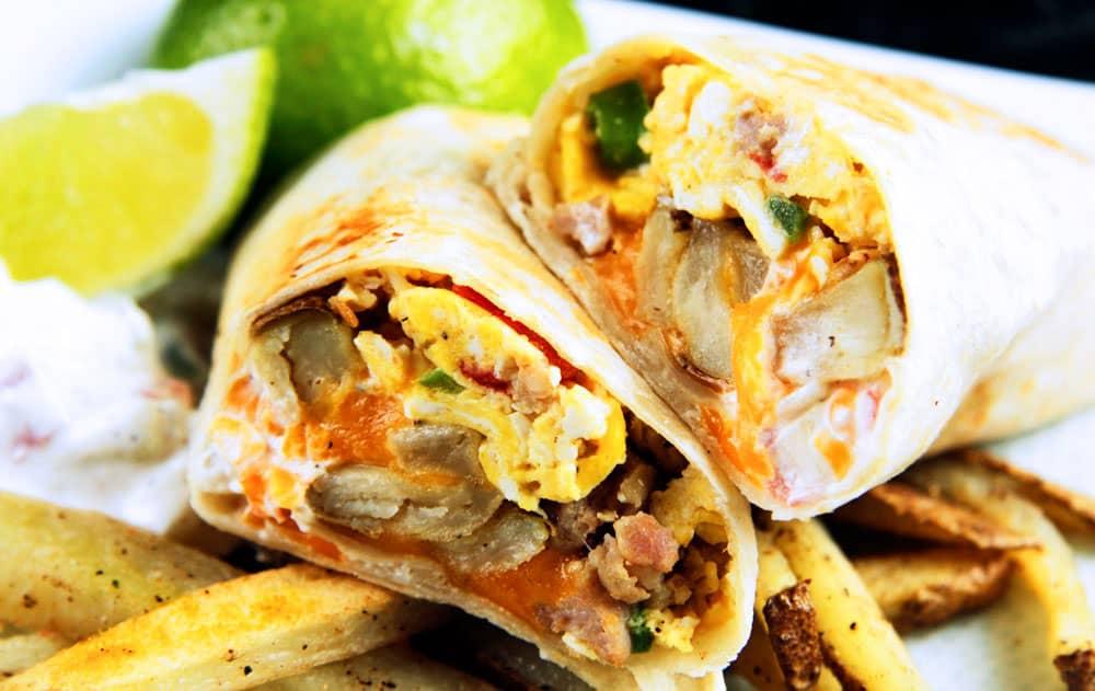California-Breakfast-Burrito-with-Creamy-Salsa-(07)