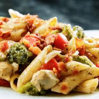 Cheesy-Bacon-Ranch-Chicken-Pasta-(Skinny!)-(4)