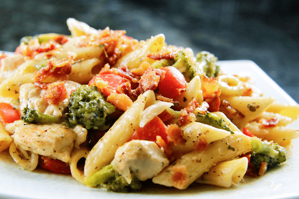 Chicken, Broccoli, And Red Bell Pepper Salad With Peanut Butter ...