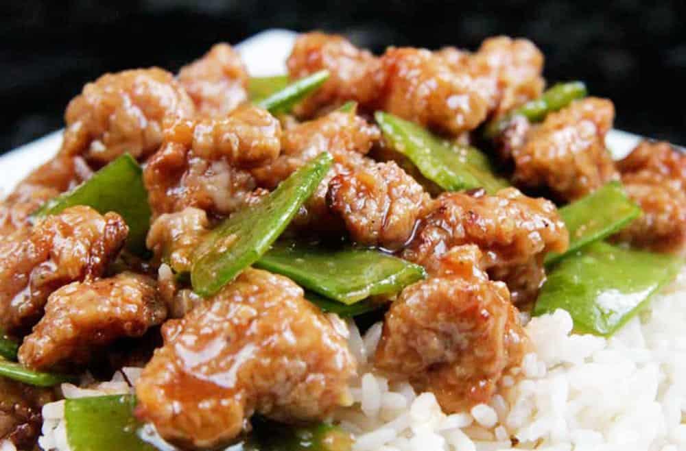 Skinny General Tso's Chicken aka MY FAVORITE CHINESE CHICKEN EVER!