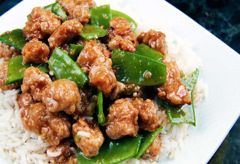 Skinny General Tso's Chicken aka MY FAVORITE CHINESE CHICKEN EVER!