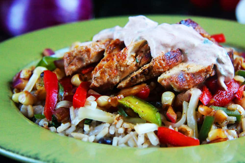 Honey Lime Chicken Fajita Bowls with Chipotle Lime Crema (5)