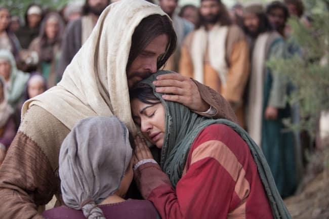 jesus-comforts-mary-martha-1104492-gallery2