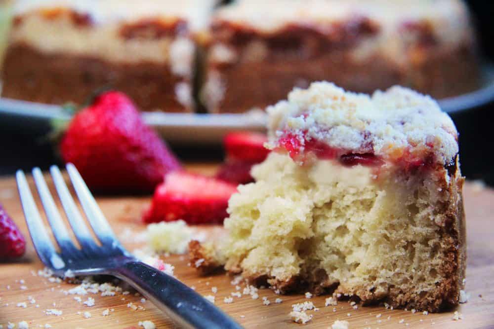 Strawberrry-Cream-Cheese-Coffe-Cake--7