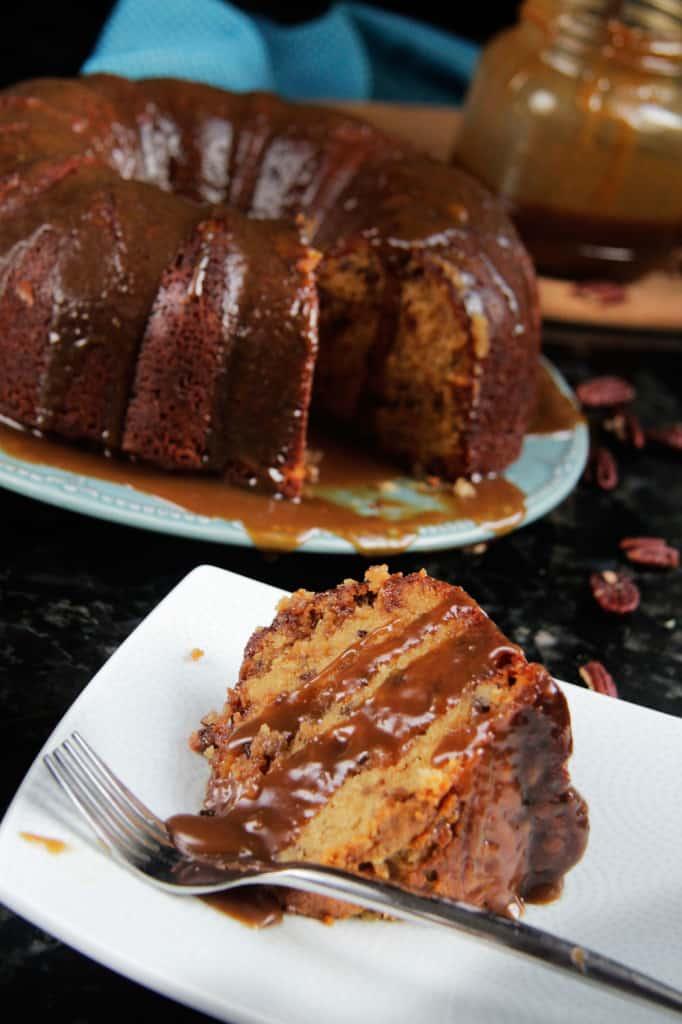 Toffee Pecan Caramel Pound Cake (8)