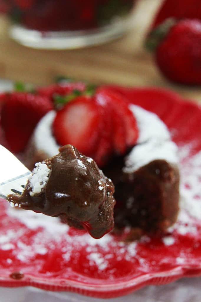 Molten-Chocolate-Lava-Cake--11