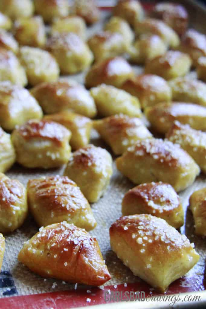 pretzel-bites-with-Cheesy-Jalepeno-Ranch-Dip---4