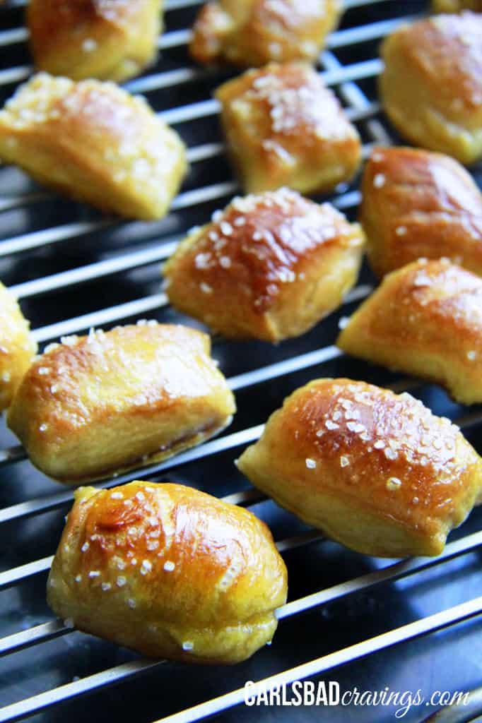 pretzel-bites-with-Cheesy-Jalepeno-Ranch-Dip---6