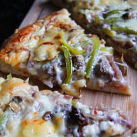 Alfredo-Philly-Cheesesteak-Pizza12