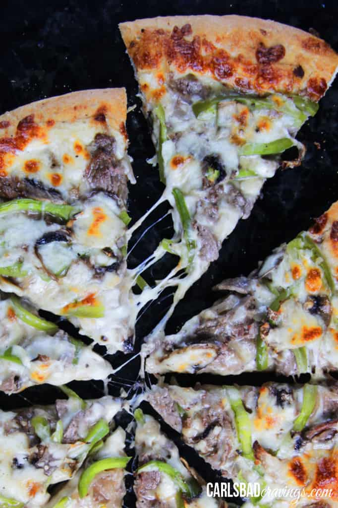 Alfredo-Philly-Cheesesteak-Pizza14-5