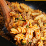 (15 Min) Beefy Buffalo Mac & Cheese with Creamed Corn & Poblano Peppers