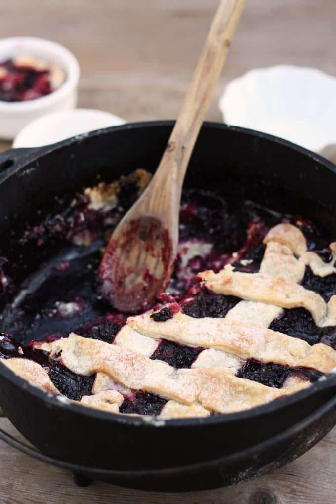 old-fashioned-blackberry-cobbler