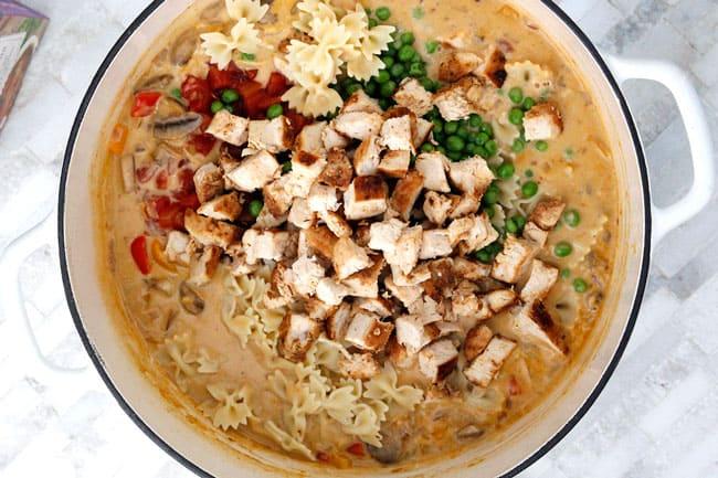Creamy-Cajun-Chicken-Pasta-Soup15