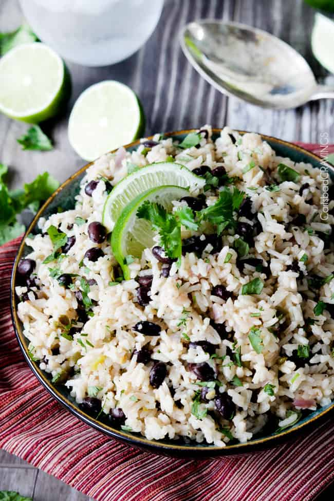 One Pot Chicken & Lime Rice Bowl With Black Beans | http://homemaderecipes.com/cooking-101/how-to/chicken-lime-rice-bowl/