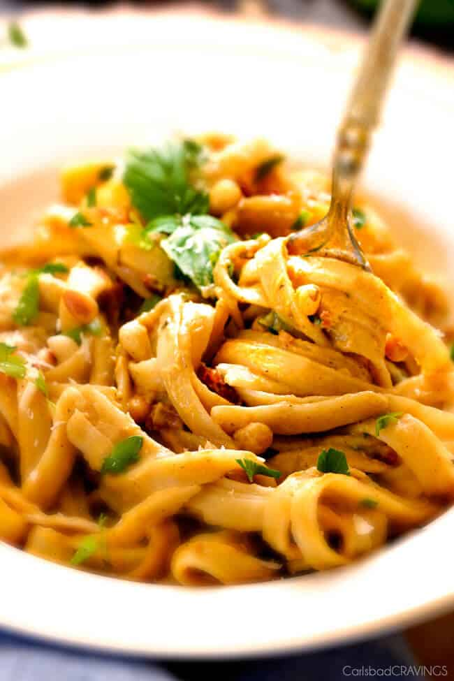 Creamy Butternut Squash Pasta - silky quick and easy pasta that is SO ...