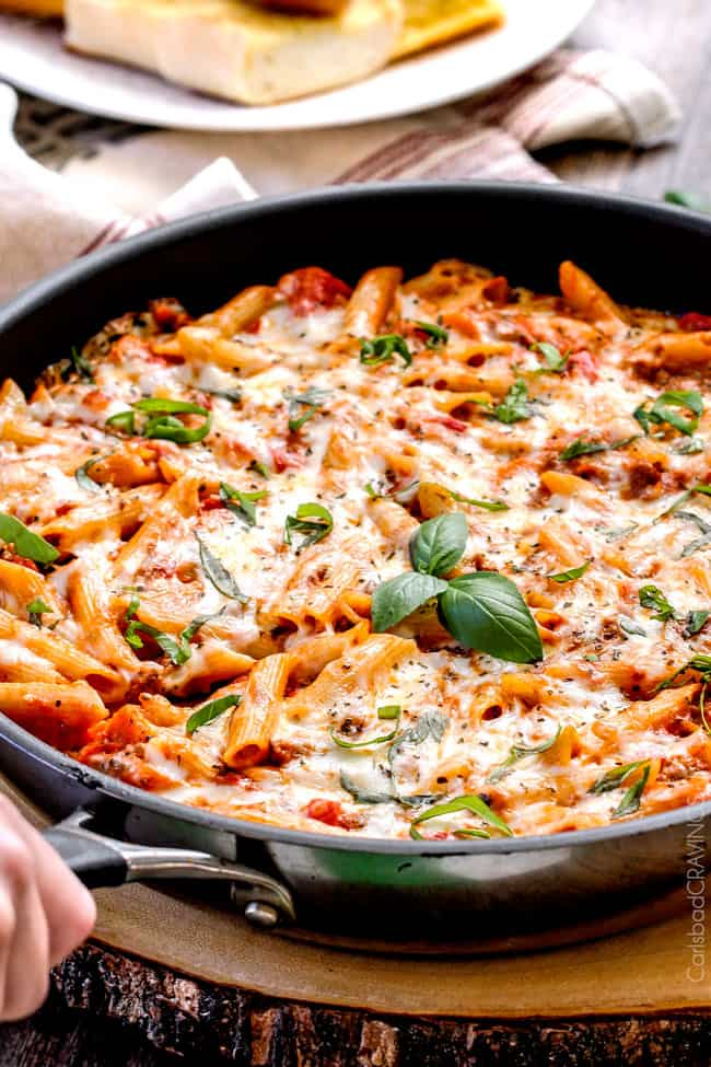 One Skillet Cheesy Penne & New York Bakery® Bake and Bread™ Garlic Bread