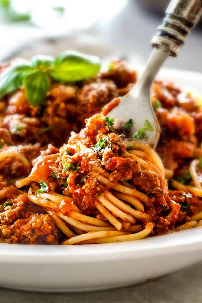 Quick and easy Weeknight Spaghetti Bolognese bursting with flavor on ...