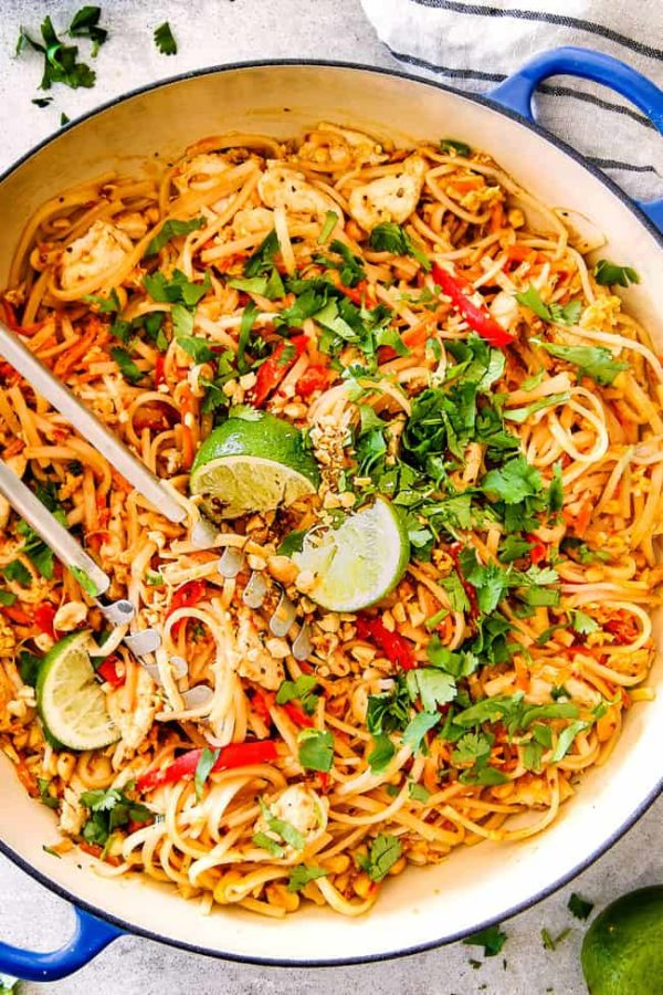 Best ever chicken pad thai video with pantry friendly ingredients this chicken pad thai recipe is unbelievable with the most incredible pantry friendly pad thai sauce forumfinder