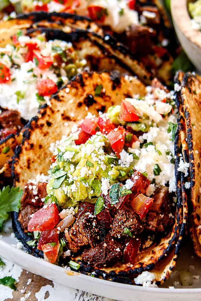 up close fo carne asada street tacos