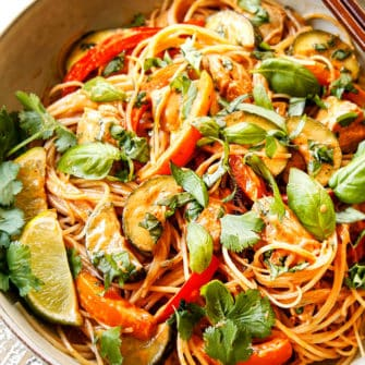 Rice Noodles in Coconut Curry Sauce